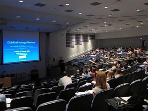 Dr_Daniel_Chang_at_Midwestern_University_2012-captioned